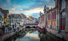 Colmar 2019 (EBoss Fotografie) Tags: colmar alsace france vosges frankrijk europe sky clouds water canal building city architecture bridge tourism travel street people fujifilm colors xt20 soe twop supershot market