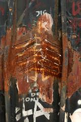 Rust (gripspix) Tags: 20190623 vacation ferien lademeureduchaos saintromainaumontdor art kunst artprject kunstprojekt thierryehrmann lyon