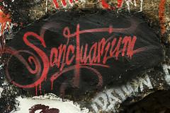 Sanctuarium (gripspix) Tags: 20190623 vacation ferien lademeureduchaos saintromainaumontdor art kunst artprject kunstprojekt thierryehrmann lyon