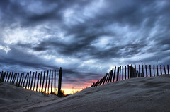 the beach (denismartin) Tags: marseillanplage sete strand sable sand beach plage playa herault sunset sun sunsetlight denismartin fence cloud hdr