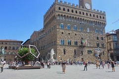 Piazza della Signoria and the Palazzo Vecchio (Piedmont Fossil) Tags: italy florence piazzadellasignoria palazzovecchio mulberry tree dodecahedron palace