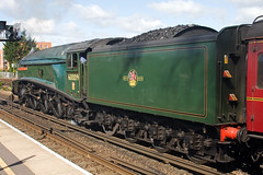60009 - Union of South Africa (Signal Box - Railway photography) Tags: outdoor railway railroad uk steam engine train locomotive unionofsouthafrica 60009 a4 pacificclass lner basingstoke station hampshire mainline steamengine dorsetcoastexpress