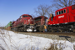 CP Rail meet at Weaver Siding (applegathc) Tags: america united states minnesota illinois dakota mississippi river mid west midwest winter january snow freight train container double stack intermodal railway railroad locomotives ge general electric emd es44 ac44 progress rail sd30c sd30ceco pr sub subdivision minneapolis st paul twin cities mn la crosse wi wisconsin