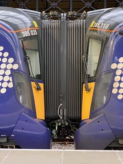 385035 385118 Glasgow Queen Street 3/9/2019 (Martin Coles) Tags: scotrail trains train rail railways railway glasgow glasgowqueenstreet class385 at200 385035 385118
