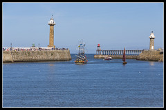 IMG_0009 (Scotchjohnnie) Tags: whitby yorkshire northyorkshire canon canoneos canon6d canonef70200mmf28lisiiusm scotchjohnnie riveresk barkendevour westpier