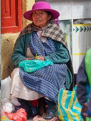 P'tite vendeuse de rue..Cuzco.. (geolis06) Tags: geolis06 pérou peru 2016 amériquedusud southamerica cuzco portrait marché market em5olympus olympusm1240mmf28 cusco vendeusederue saleswoman