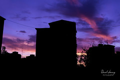 _MG_1168 - e t (Daniel Jiménez Fotógrafo) Tags: landscape paisaje atardecer getdark sun sunset lateafternoon building edificio cloud nube sky cielo colors purple yellow red pink dark darkness madrid spain españa danifotografia danieljimenezfotowixcomportfolio danieljg