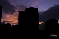 _MG_1138 - e t (Daniel Jiménez Fotógrafo) Tags: landscape paisaje atardecer getdark sun sunset lateafternoon building edificio cloud nube sky cielo colors purple yellow red pink dark darkness madrid spain españa danifotografia danieljimenezfotowixcomportfolio danieljg
