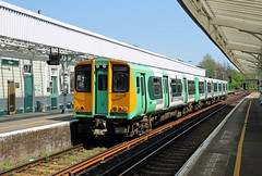 313209 Hove (CD Sansome) Tags: brighton station tsgn gtr govia thameslink railway southern rail west coastway line 313 313209 hove train trains