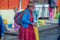 Les couleurs du Pérou..Cuzco (geolis06) Tags: geolis06 pérou peru 2016 amériquedusud southamerica cuzco portrait marché market em5olympus olympusm1240mmf28 cusco vendeusederue saleswoman