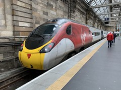 390123 Glasgow Central 3/9/2019 (Martin Coles) Tags: trains train rail railways railway glasgowcentral 390123 class390 pendolino virgintrains