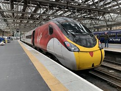 390118 Glasgow Central 3/9/2019 (Martin Coles) Tags: trains train rail railways railway glasgowcentral 390118 class390 pendolino virgintrains