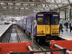 314209 Glasgow Central 4/9/2019 (Martin Coles) Tags: trains train rail railway railways glasgowcentral 314209 class314 scotrail