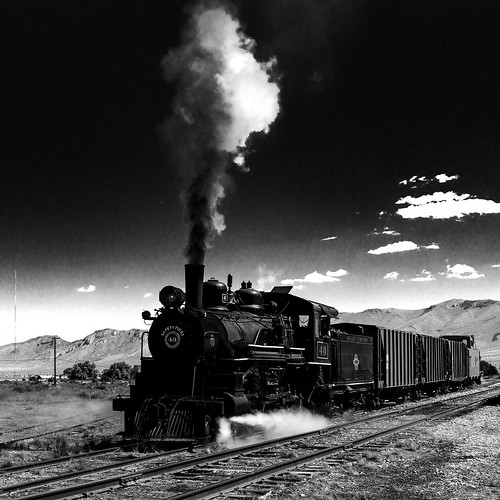 02469376422882-116-19-09-Old Locomotive Number 40-11-Black and White