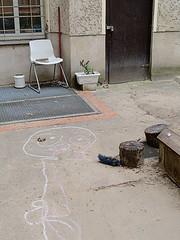 Schillerkiez_e-m10_1013247433 (Torben*) Tags: rawtherapee olympusomdem10 olympusm25mmf18 chalkdrawing kreidezeichnung hinterhof court