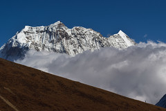 Quo Vadis (Petr Vodak) Tags: dharmasala nepál samdohimal himalayas snow blue sky man clouds scale landscape