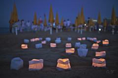 Paper lanterns for Saint Lawrence night (velenux) Tags: pesaro sanlorenzo notte night stellecadenti shootingstars alumedicandela spiaggia beach shore candele lumini lanterns candles saintlawrence