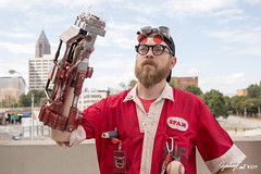20190901-172852-5D4Z0357 (zjernst) Tags: 2019 atlanta convention cosplay costume dragoncon fallout glasses goggles hat jumpsuit postapocalyptic powerfist scifi summer videogame