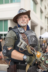 20190901-181502-5D4Z0491 (zjernst) Tags: 2019 armor atlanta convention cosplay costume dragoncon fallout gloves goggles gun hat plasmarifle postapocalyptic scifi summer videogame weapon