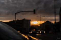 Un nouveau jour se lève. Victoire. [Explored 2019 September 10th] (LACPIXEL) Tags: nouveau nuevo new jour day día selever amanecer salidadelsol salir atdawn atdaybreak sunrise sol soleil sun route road carretera immeuble flat bâtiment rue street calle ciel cielo sky ville town ciudad poissy yvelines france sony flickr lacpixel la vie continue