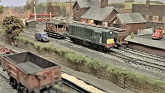 Positioning The Brake Van Van at Fenby . (ManOfYorkshire) Tags: fenby fenbyquay station scale model railway train layout 176 oogauge heljan d8401 class16 britishrailways green era brakevan loop runround freight service exhibition loughborough soarvalley 2019