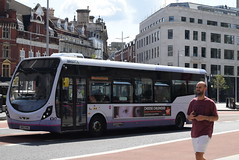 FWE 47444 @ The Centre, Bristol (ianjpoole) Tags: first west england wright streetlite max sk63kns 47444 working route 24 langley crecent ashton val broadmead hospital