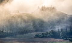 Belvedere dawn (Massimiliano Teodori) Tags: valdorcia sanquiricodorcia pienza torrenieri landscape tuscany italy belvedere gladiator movielocation fog haze mist dawn rising sun