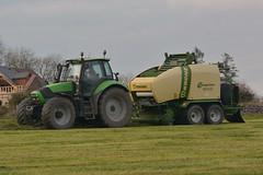 Deutz Fahr Agrotron 180.7 Tractor with a Krone Comprima CF 155 XC Combi Baler & Wrapper (Shane Casey CK25) Tags: deutz fahr agrotron 1807 tractor krone comprima cf 155 xc combi baler wrapper bale bales baling wrap wrapping sdf df green rathcormac samedeutzfahr deutzfahr grass grass19 grass2019 silage19 silage2019 silage harvest county cork ireland irish farm farmer farming agri agriculture work working land field machinery horsepower hp pull pulling horse power fodder contractor traktor traktori tracteur trekker trator ciągnik