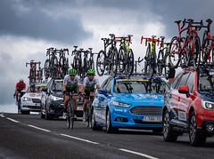 Struggle at the rear (MMiPhoto) Tags: cycling ovo skoda roundbritain weardale roadracing stanhope fuji xt3 markcavendish ovoenergytourofbritain