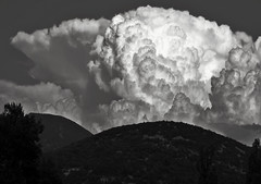 naissance d'un orage au-dessus des Baronnies provençale... Reynald ARTAUD (Reynald ARTAUD) Tags: 2019 août occitanie provence baronnies provençales naissance orage reynald artaud