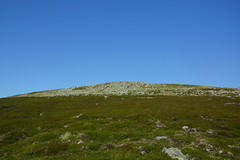Skirting the Summit (steve_whitmarsh) Tags: landscape aberdeenshire scotland scottishhighlands mountain hills highlands tsagairtmor topic cairngorms