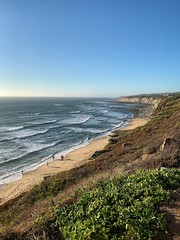 Ericeira Norte (marc.barrot) Tags: shotoniphone seascape landscape atlantico ocean atlantic mar beach praia portugal 2655 ericeira praiadesansebastião