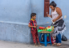 working the corner with mom (Pejasar) Tags: guatemala 2017 antigua