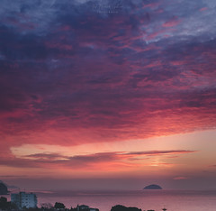 The island (sampler1977) Tags: sky seascape clouds marina sunrise island amanecer villajoyosa leverdusoleil marinabaixa candilazo