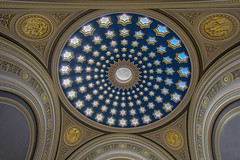 The starry domed ceiling (Giovanni Giannandrea) Tags: rbs dundashouse edinburgh standrewsquare royalbankofscotland duomo cupola ceiling stars coffered skylights architecture gold oculus firmament starry dome