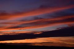 DSC_2156 (griecocathy) Tags: paysage coucher soleil ciel nuage montagne noir jaune crème orange bleu oranger gris