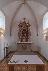 Sankt-Laurentius-Kapelle in Waltrop (ulrichcziollek) Tags: nordrheinwestfalen waltrop sanktlaurentius sanktlaurentiuskapelle gotik gotisch gewölbe altar