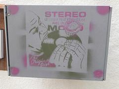 20190828_152157_R3 (Benoit Vellieux) Tags: france vichy streetart mangedisque mangedisques mangedisques45tours 45rpmreader 45uminleser sign panneau schild aushängeschild disque disk disc