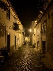 Noites de Lisboa (marc.barrot) Tags: shotoniphone urbanlandscape street nightphotography lisbon portugal 1200 lisboa santos calçadadocastelopicão