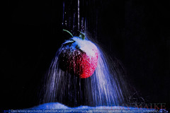 Falling (3MY MAIK3) Tags: macro experiments artwork red sugar