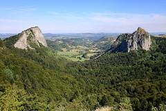 Roches Tuilière et Sanadoire IMG_0792 ([JM] photographie) Tags: paysage landscape montagne rochers puydedôme auvergnerhônealpes crêtes