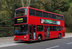 LX55BEJ Bloomsbury 10.9.19 - see the description (Rays Bus Photographs) Tags: lx55bej trident alx400 advertisingboard 18488