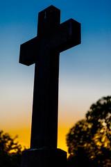peacefull sunset (vale0065) Tags: tessenderloo kerkhof zonsondergang cemetery cemetary cross kruis graveyard begraafplaats belgium belgie colour color grave graf grafzerk tombstone