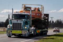 Wide Load on Pound Road #1 (johnstewartnz) Tags: poundroad truck trucks wideload fultonhogan kenworth hitachi canon canonapsc apsc eos 100canon 7dmarkii 7d2 7d canon7dmarkii canoneos7dmkii canoneos7dmarkii 70200mm 70200 70200f28 70200mmf28 ef70200f28lisusmiii canonef70200mmf28lisiiiusm