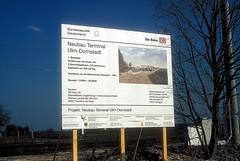 Schild  bei Beimerstetten  03.04.05 (w. + h. brutzer) Tags: beimerstetten schild eisenbahn eisenbahnen railway deutschland germany db webru analog nikon