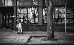 (el zopilote) Tags: portland oregon people street architecture cityscape signs lumix gf1 lumixg20mmf17asph milc m43 bw bn nb blancoynegro blackandwhite noiretblanc monochrome