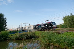 "boxXpress 193 710 ""140 years Siemens e-mobility"" - Dordrecht (rvdbreevaart) Tags: boxxpress mrce mrcedispolok siemens vectron br193 containertrein containershuttle trein eisenbahn railway ferrovie raw rawtherapee dordrecht dordrechtzuid"