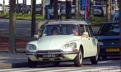 Citroën ID 20F Break 1967 (Wouter Bregman) Tags: dh0772 citroën id 20f break 1967 citroënid ds citroënds strijkijzer déesse tiburón snoek stationcar stationwagen station wagon kombi estate europaplein amsterdam nederland holland netherlands paysbas vintage old classic french car auto automobile voiture ancienne française france frankrijk vehicle outdoor