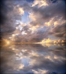 Ad est del sole, ad ovest della luna ... (Gio_guarda_le_stelle) Tags: lotr artwork seascape horizon sailing voyage clouds sky