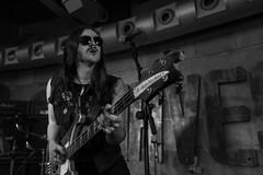 Ralph : voz y bajo - Asomvel (samarrakaton) Tags: samarrakaton 2019 nikon d750 2470 bilbao bilbo nave9 rock musica music directo live byn bw blancoynegro blackandwhite monocromo ralph asomvel bass guitar bajo
